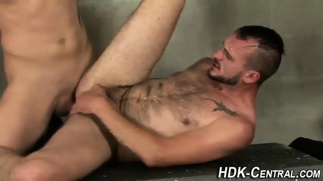 Buff stud raw dawgs ass - scene 9
