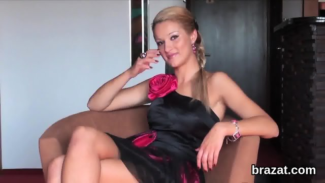 Casting hottie goes home after hardcore sex and butthole drilling - scene 4