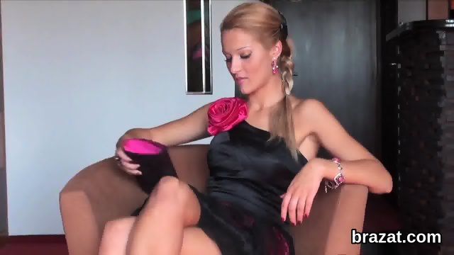 Casting hottie goes home after hardcore sex and butthole drilling - scene 5