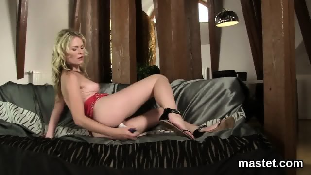 Frisky czech chick opens up her narrowed cunt to the strange - scene 11