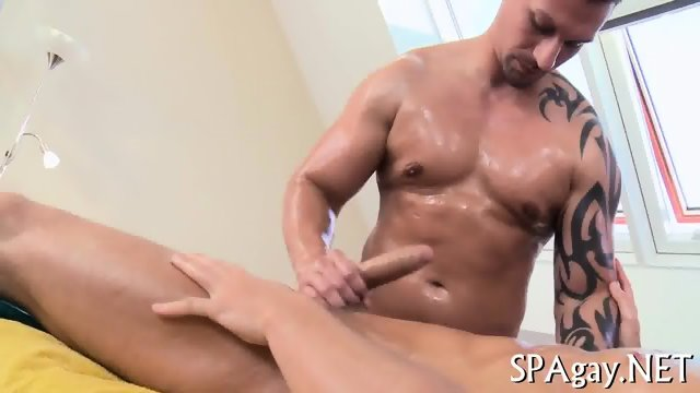 Sensual oil massage - scene 10