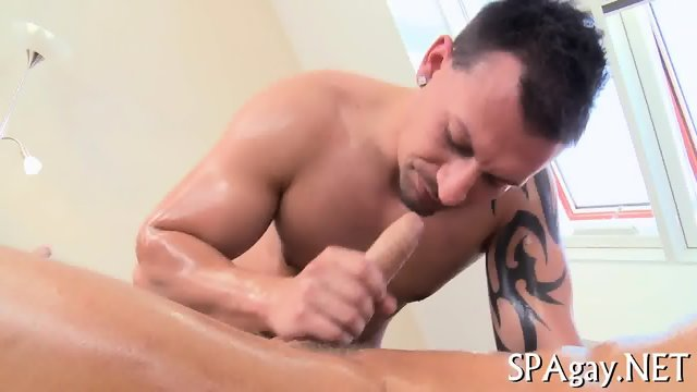 Sensual oil massage - scene 11