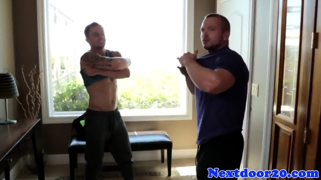 Straight hunk blows his load on muscular ass - scene 1