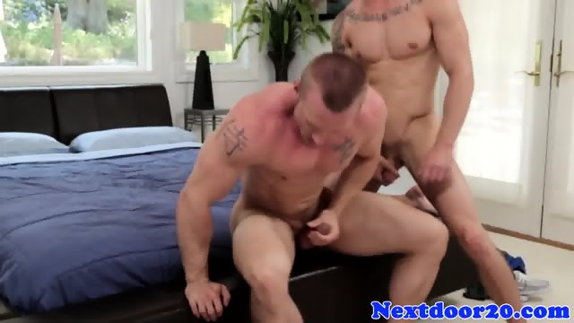 Straight hunk blows his load on muscular ass - scene 6