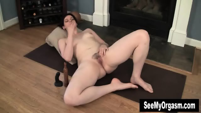 Sexy Savannah Having A Convulsing Orgasm - scene 1