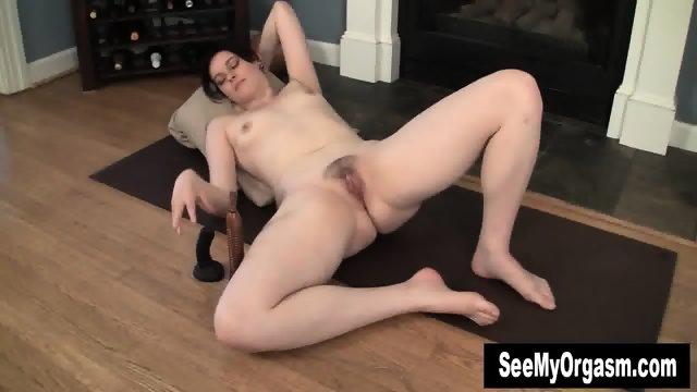 Sexy Savannah Having A Convulsing Orgasm - scene 2
