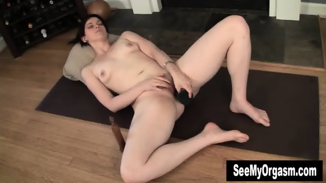 Sexy Savannah Having A Convulsing Orgasm - scene 3