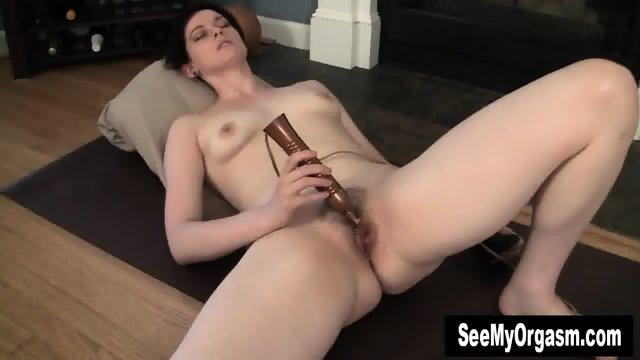 Sexy Savannah Having A Convulsing Orgasm - scene 7