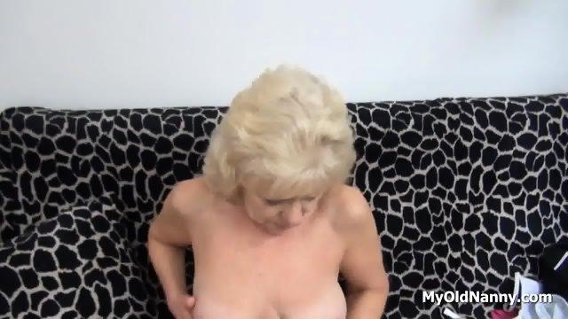 Wrinkly Gilf Pleasures Her Muff - scene 4