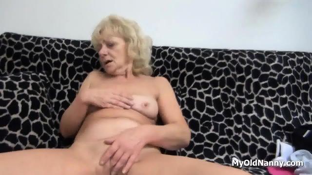 Wrinkly Gilf Pleasures Her Muff - scene 5