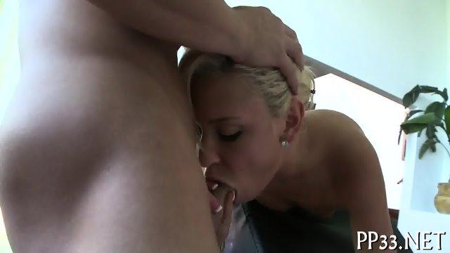 Rubbing a smoking hot body - scene 6