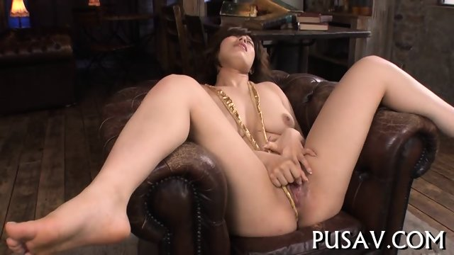 Seducive Asian gets pussy stretched - scene 1
