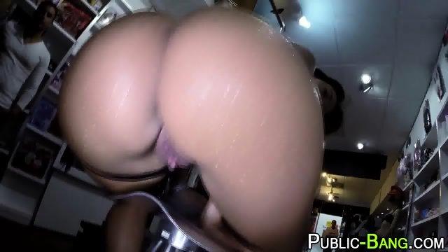 Latina fucks in public - scene 5