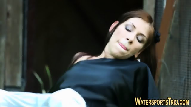 Weird slut cum and urine - scene 10