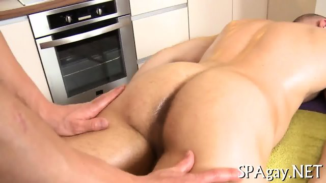 Steamy hot gay massage - scene 4