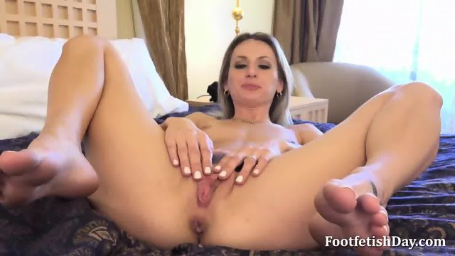 Gorgeous Blonde Strokes Her Pussy - scene 8