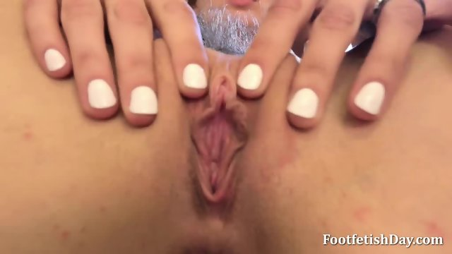 Gorgeous Blonde Strokes Her Pussy - scene 4