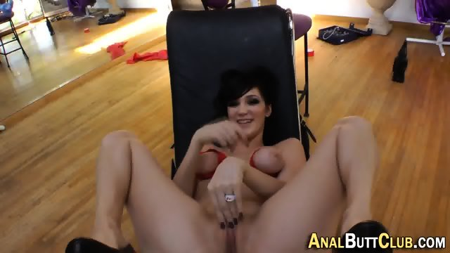 Booty babe flashes pussy - scene 1