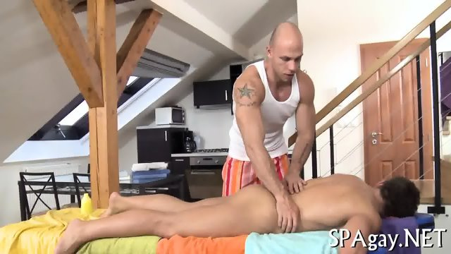 Sexy strokings for hot babe - scene 2