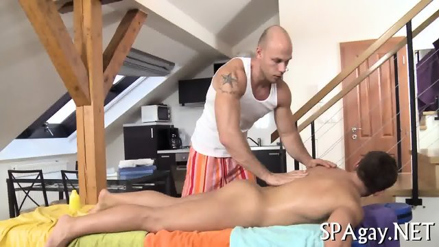 Sexy strokings for hot babe - scene 3