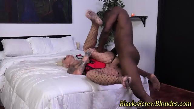 Stockings ho throat black - scene 8
