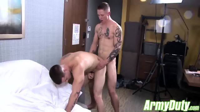 Veteran Quentin Gainz is back in action with a hot recruit - scene 6