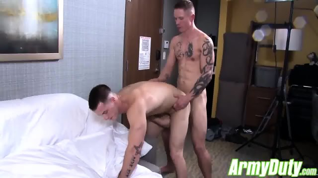 Veteran Quentin Gainz is back in action with a hot recruit - scene 7