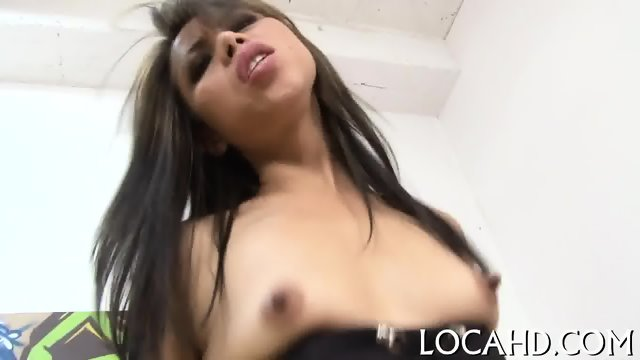 Hot chick loves fingering sessions - scene 6