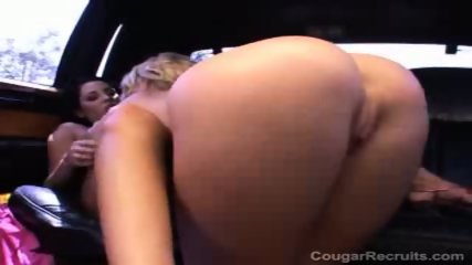 Pussylicking car sex - scene 11