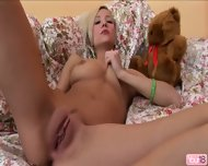 Katie Stimulates Her Nice Pussy