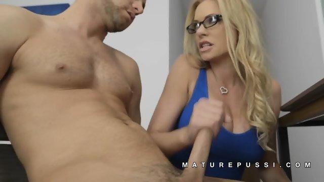 Wife Tries Black Dick Video