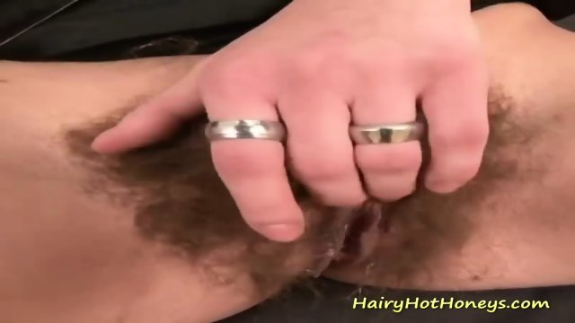 Omahotel extra hairy granny seductive striptease 2