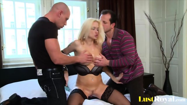After showing some goodies Stacy Silver gets bonked