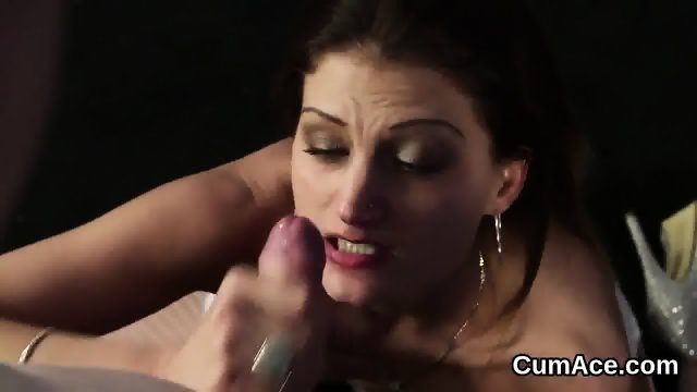 Peculiar bombshell gets sperm load on her face sucking all the load