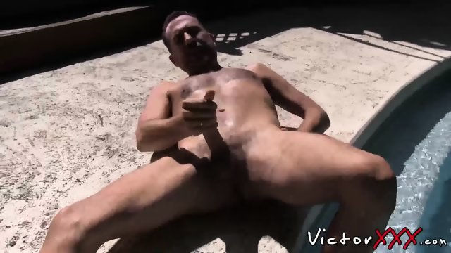 Daddy with big dick love solo masturbation outdoor