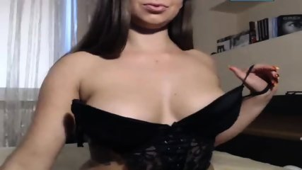 Hot Teen Girl Having Orgasm On Webcam