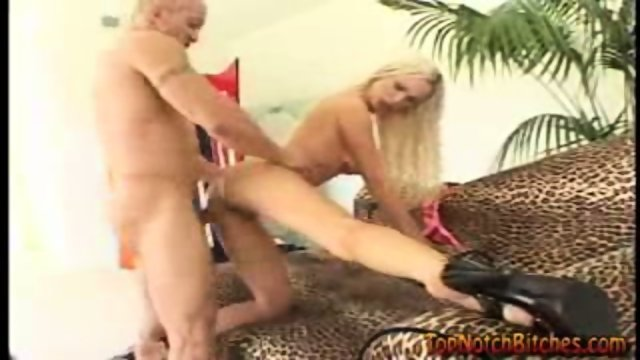 Nikki Benz Gets Fucked From Behind