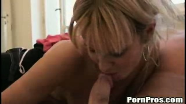 Amateur blonde chick sucks and fucks