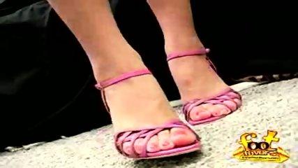 Hot foot favor - scene 10