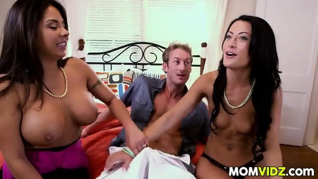 Gf Kelly Diamond XXX and stepmom Candi Cox fuck her BF