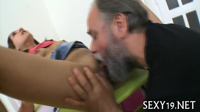 Pounding babe s tight pussy