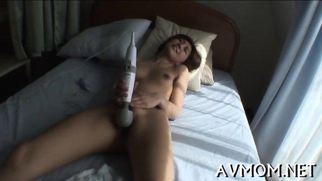 SLutty mom finger fucking action