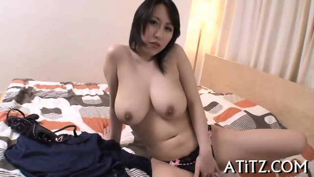 Wet blowjob from busty Japanese - scene 1