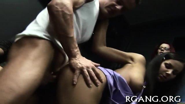 Men satisfy their hot GFs - scene 10