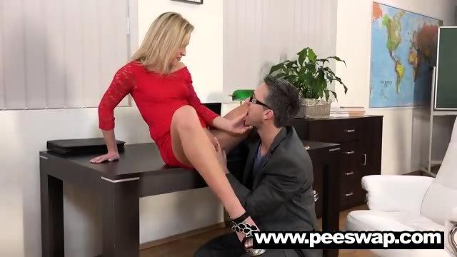 Vinna Reed gets peed on and fucked