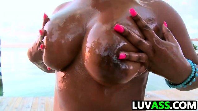 Gizelle XXX has a massive ASS
