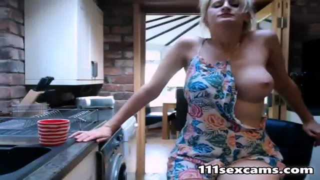 Blonde big tits MILF with sound vibrator online - scene 9