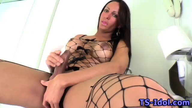 Tranny babe tugs herself - scene 3