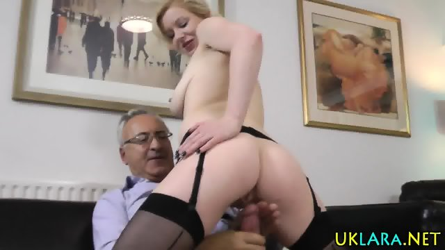 Mature brit nurse blow - scene 12