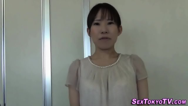 Asian ho stretches cunt - scene 6